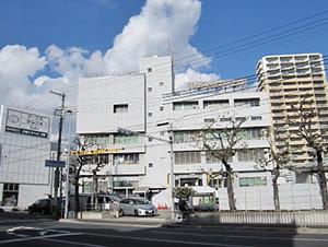 平野警察署 徒歩8分